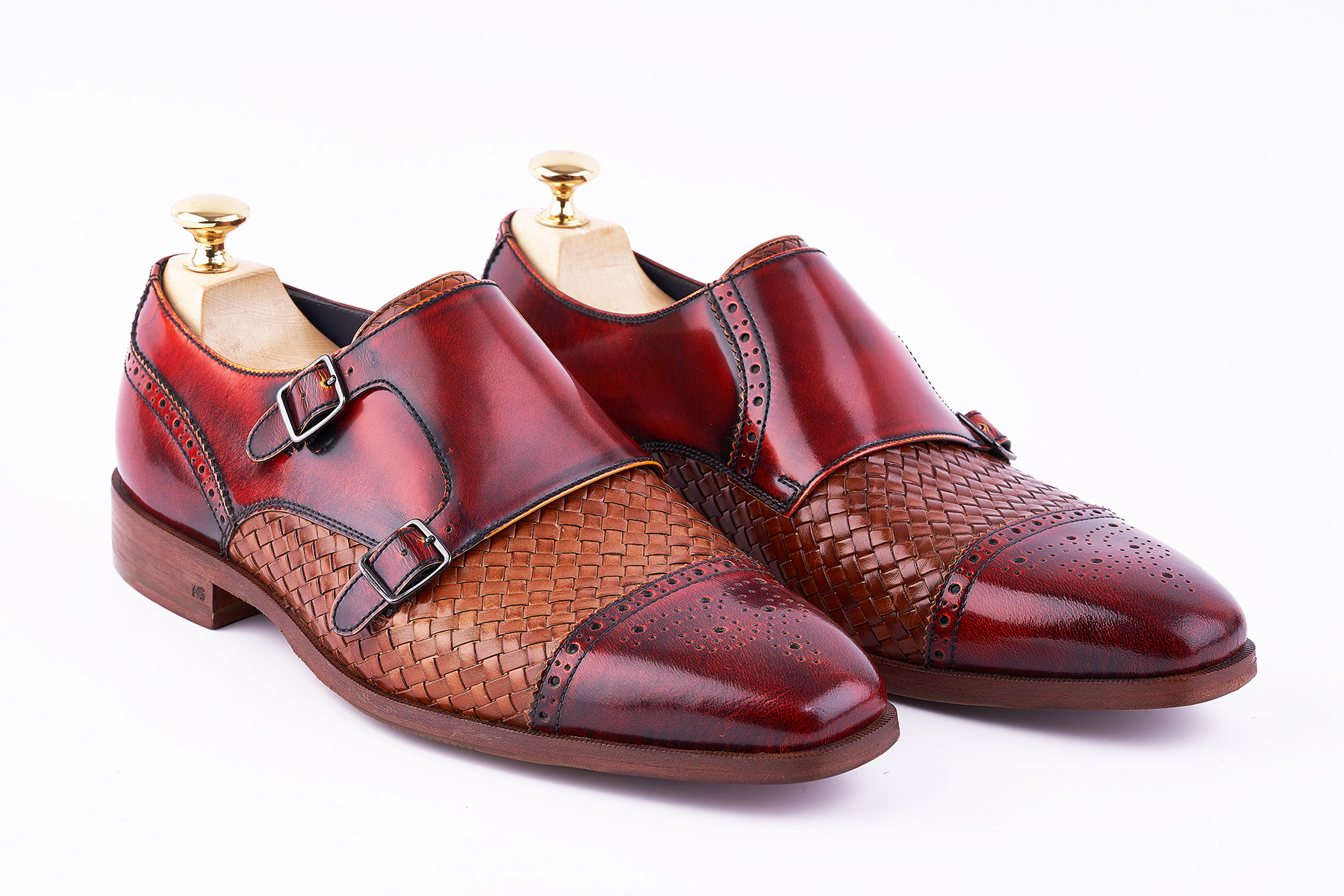 Leather Shoes 101: Unfolding The Good, The Great, And The Awesome